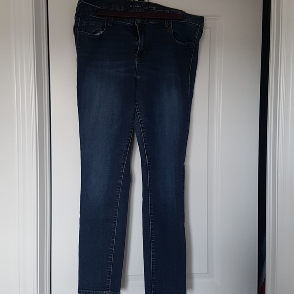 Old Navy Rockstar Mid-Rise Jeans